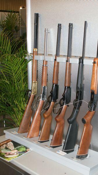 Broń systemu lever action z Brazylii